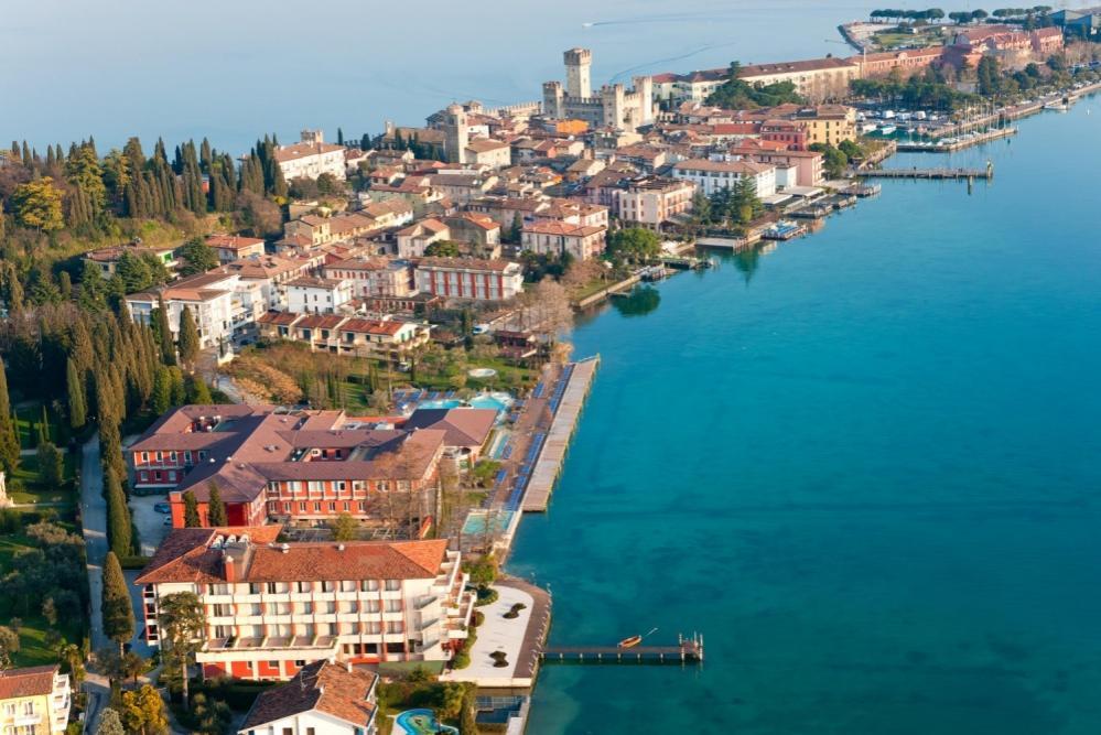 Italië strandvakantie singles 25-45 jaar Sirmione Gardameer 2017